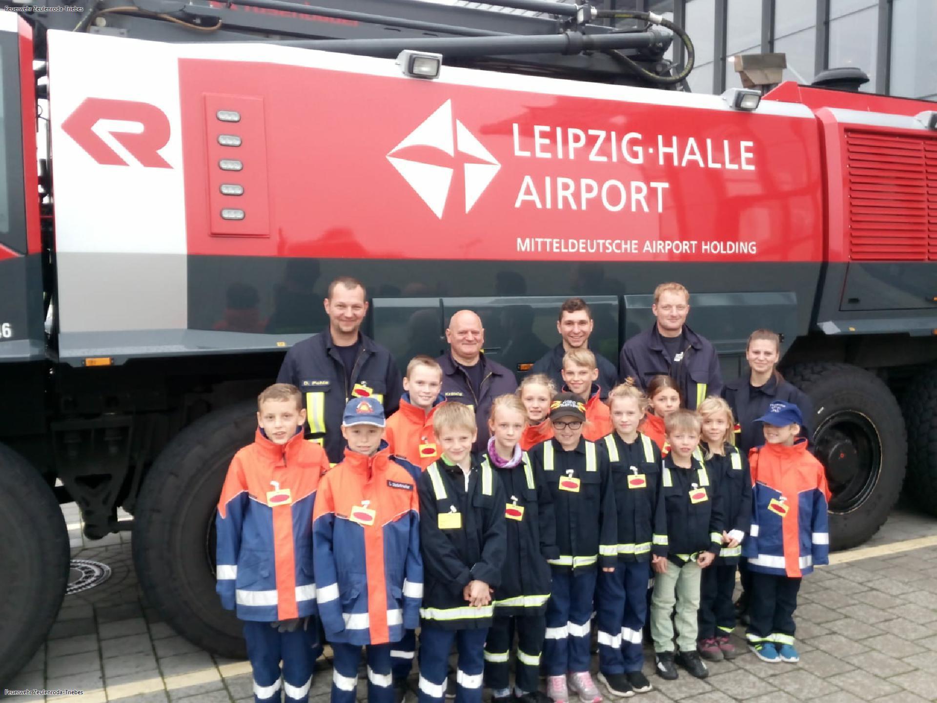 Überraschungsdienst zur Flughafenfeuerwehr Leipzig