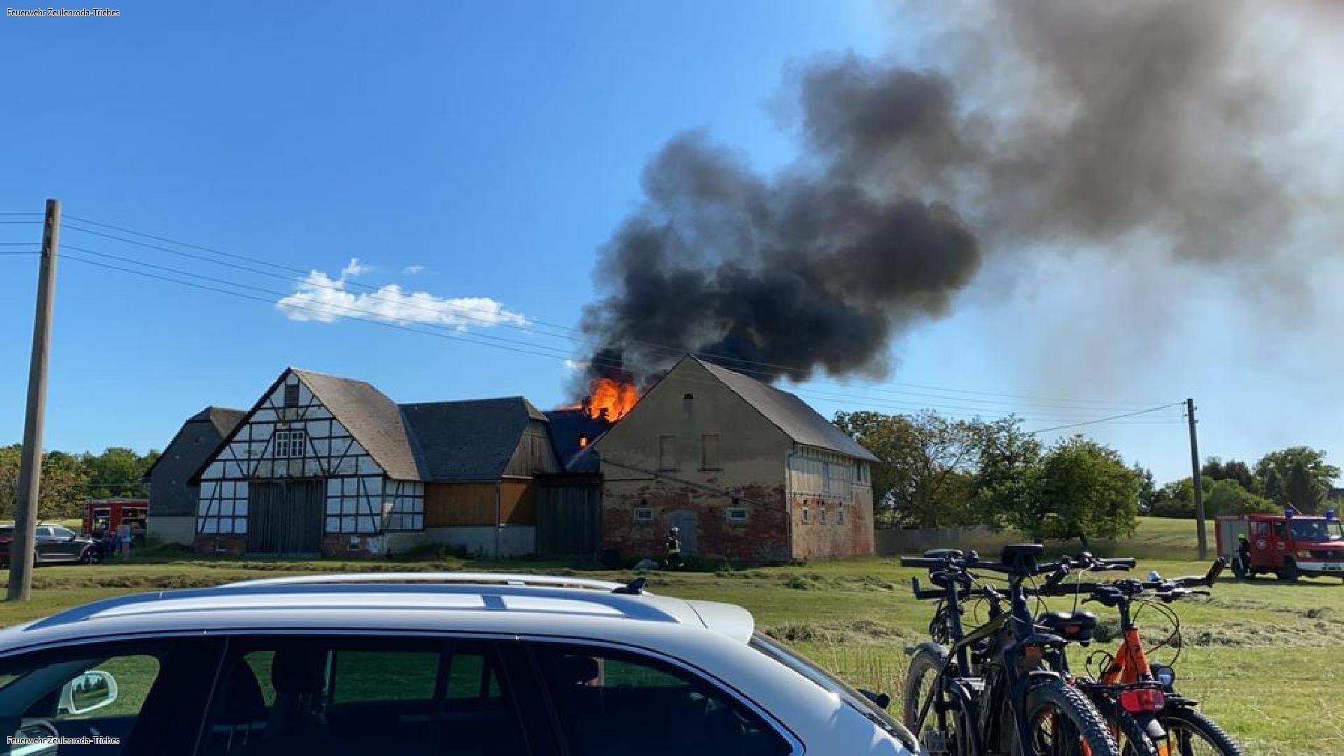 Über 100 Rettungskräfte bei Brand im Einsatz