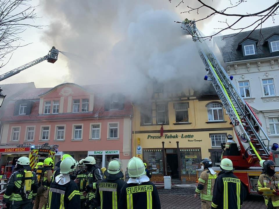 Großbrand im Herzen der Stadt hält Weida inAtem